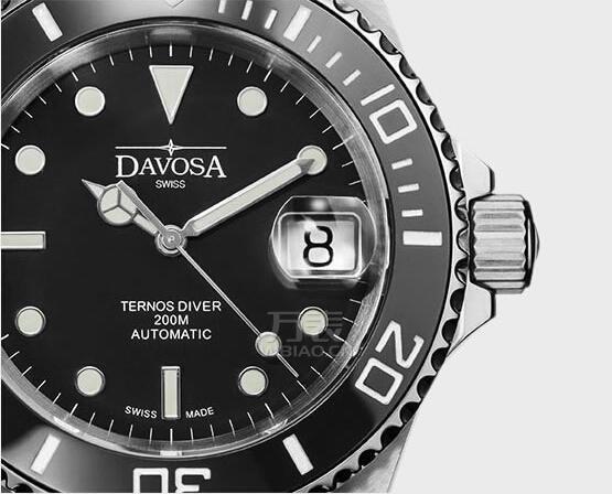 万表网钜献迪沃斯潜水表性价比之王――黑蛟龙